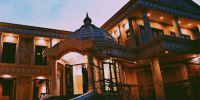 Rumah 5 artis Indonesia ini megahnya bak istana, mewah abis