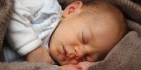Posisi bayi tidur tengkurap penting diperhatikan, ini penjelasannya