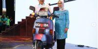 Perpisahan, Jusuf Kalla mendapat kado Vespa Excel dari Paspampres