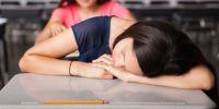 5 Cara mengatasi rasa ngantuk dalam ruang kuliah