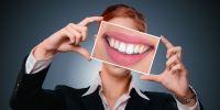4 Cara efektif untuk mencegah dan menghilangkan karang gigi