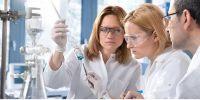 Bertahan di tengah pandemi: Tunda investasi di bidang R & D