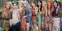 7 Inspirasi gaya musim panas dalam music video TWICE 'MORE & MORE'