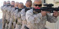 Tak melulu serius, 18 tingkah kocak tentara ini bak komedian