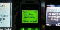 10 Foto lucu gaya SMS-an di HP jadul, bikin ngakak