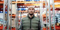 Laju operasional warehouse lambat? Coba manfaatkan software barcode