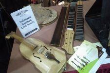 Kamu nggak akan nyangka kalau alat musik modern ini terbuat dari bambu