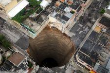 Fenomena mengerikan, lubang menganga yang pernah terjadi di dunia