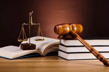 7 Hal ini membuat mahasiswa hukum cocok dijadikan pasangan hidup