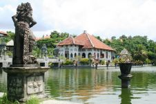 Selain pantai, Bali punya Taman Soekasada yang keren abis