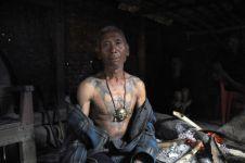 Mengenal Suku Konyak, suku dengan tradisi perburuan kepala musuh