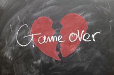 7 Langkah agar kamu cepat move on dari mantan