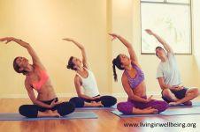Bikram yoga: Manfaat dan hal yang harus kamu perhatikan
