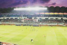 Stadion dan sepak bola di Indonesia