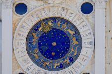 Sekilas tentang astrologi dan tarot yang perlu kamu tahu