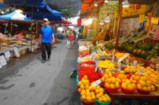 9 Tips belanja di pasar tradisional agar terhindar dari virus Corona