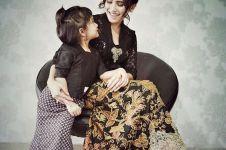 4 Potret kebersamaan Ayu Ting Ting dan sang putri, kompak abis