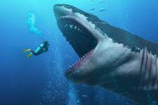 5 Rekomendasi film ini bercerita tentang keganasan makhluk air