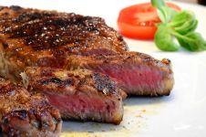 Waspada, ini 3 penyebab pusing setelah makan daging