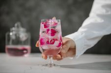 Ingin kulit sehat? 6 Manfaat air mawar ini bisa wujudkan keinginanmu