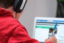 4 Cara membuat kegiatan belajar di rumah makin nyaman