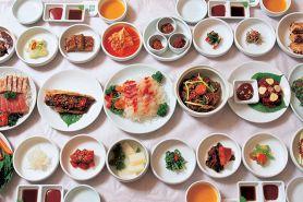 Makan bareng orang Korea, jangan lupa perhatikan 5 table manner ini