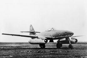 Messerschmitt Me-262, pesawat jet pertama beroperasi di medan perang