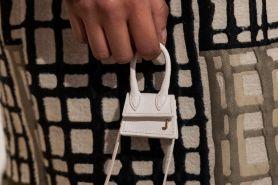 Mini bag, tren fashion yang sedang hype abis sekarang ini