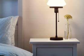 Kenali 5 manfaat lain lampu tidur, gak cuma sebagai penerang ruangan