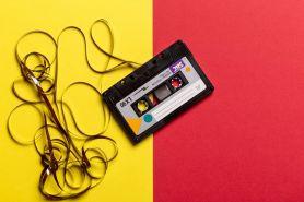 7 Lagu galau tahun 2000-an ini bikin teringat masa lalu