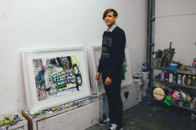 Stuart Semple, seniman pembuat warna hitam paling hitam