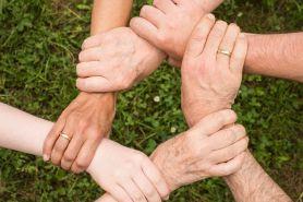 4 Upaya menyelesaikan konflik dalam keluarga secara konstruktif