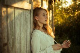 4 Kiat menghindari rasa tidak percaya diri dalam menjalin hubungan
