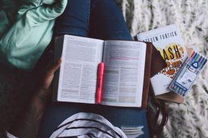 Kenapa sih, kamu harus baca buku sebelum tidur?