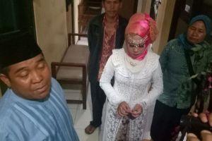 Sudah pakai baju pengantin, gadis ini malah ditinggal calon suami