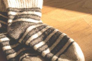 5 Alasan kenapa kamu harus ganti kaus kaki tiap hari, khususnya cowok!