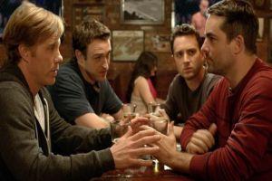 5 Topik paling sering dibicarakan cowok ketika kumpul temannya