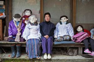 Semua penduduk di desa ini boneka, kisah di baliknya mengharukan
