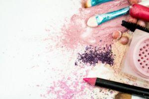 3 Zat kimia dalam makeup ini bisa picu munculnya kanker payudara