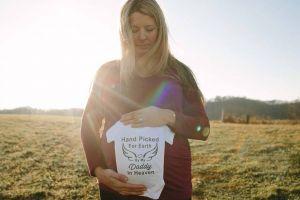 Wanita ini percaya roh suaminya hadir di pemotretan kehamilannya