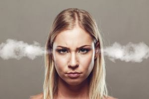 6 Momen yang bikin cowok takut sama ceweknya, kamu pernah ngalamin?