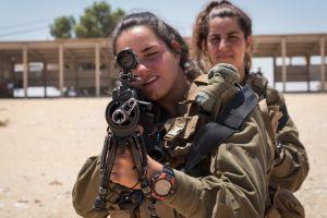 Ini Batalion Caracal, isinya tentara cantik yang siap mati demi Israel