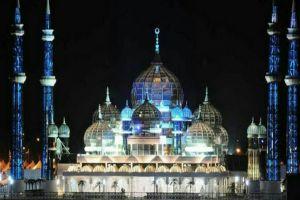 7 Penampakan Masjid Kristal yang keindahannya memukau