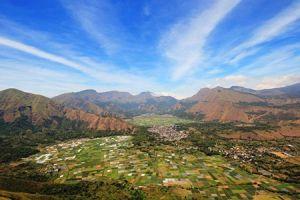 7 Destinasi wisata di kaki Gunung Rinjani ini keindahannya memukau