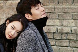 Dirumorkan putus, Shin Min-ah setia rawat Kim Woo-bin bagai novel
