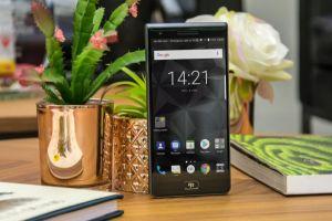 BlackBerry kembali hadir dengan produk berkelas teknologi canggih