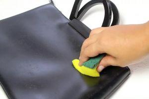 Tips gampang mengatasi jamur pada tas kulitmu, bahannya mudah didapat