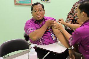 Suntik vaksin difteri 3 kali bagi orang dewasa wajib nggak sih?