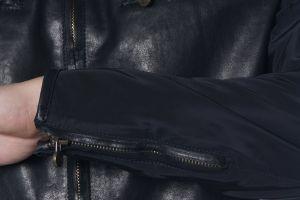 Begini 3 cara simpel merawat jaket kulit agar tidak mudah berjamur