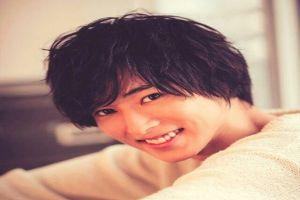 9 Potret tampannya Yamazaki Kento, aktor langganan film adaptasi anime